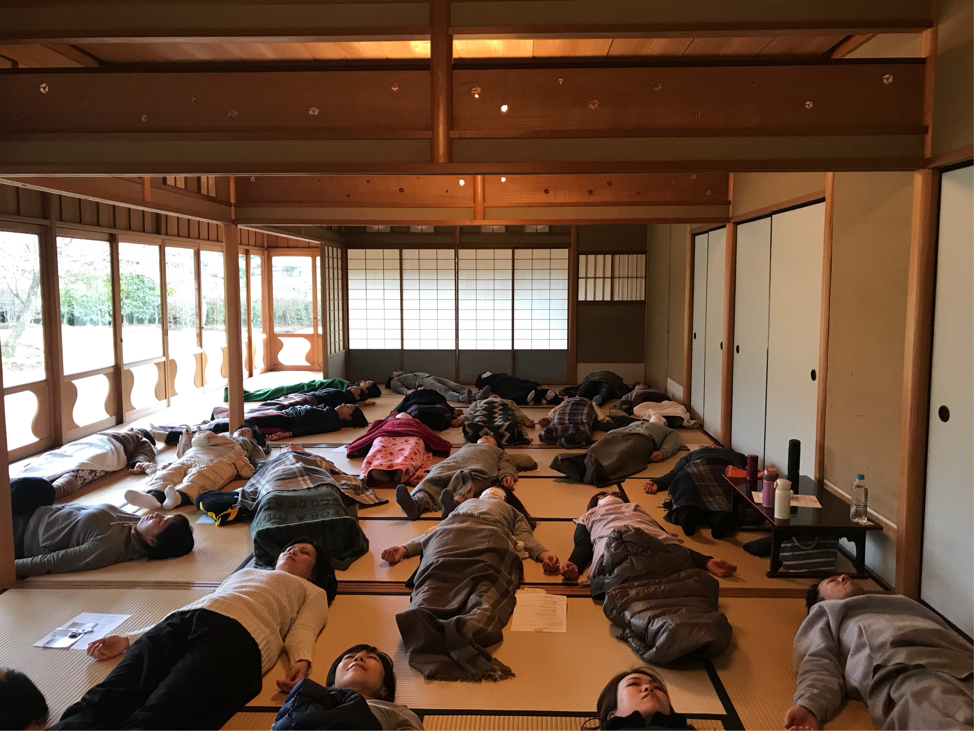 マインドフルネス瞑想風景